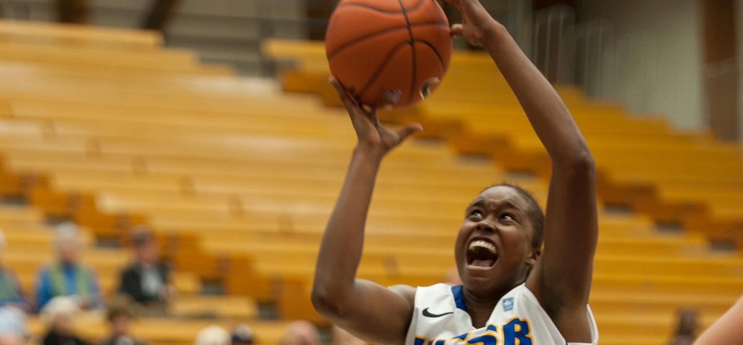 UCSB Plays Complete Game in 63-43 Win Over UCR