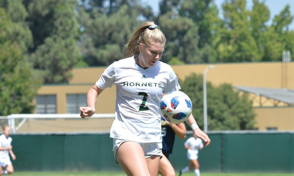 WOMEN'S SOCCER IS BACK ON THE ROAD WITH FRIDAY MATCH AT PACIFIC
