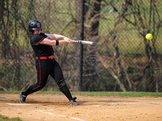 Fords rally past TCNJ, 6-5