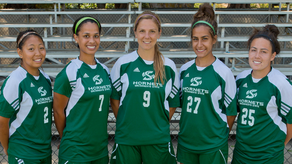 WOMEN'S SOCCER LOOKS TO SEND SENIORS OFF WITH A WIN FRIDAY