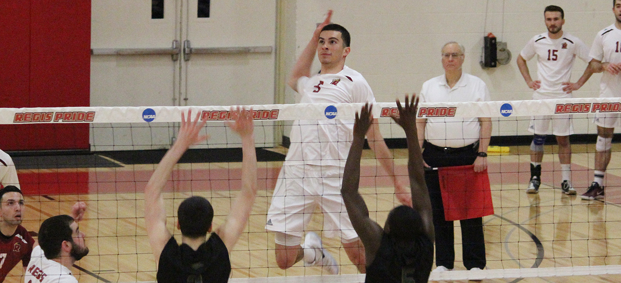 Men's Volleyball Swept by Endicott
