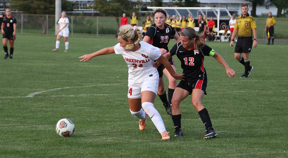 Women's soccer tops Benedictine in opening match