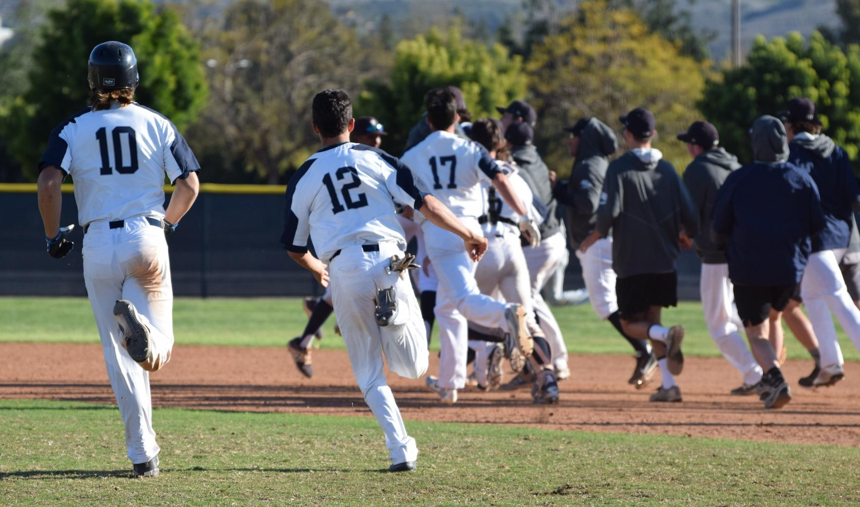 Baseball team walks off with 4-3 win over Golden West