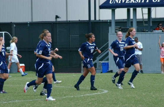 DiPippa's Goal Leads UMW Women's Soccer Past St. Mary's in CAC Tourney 1st Round