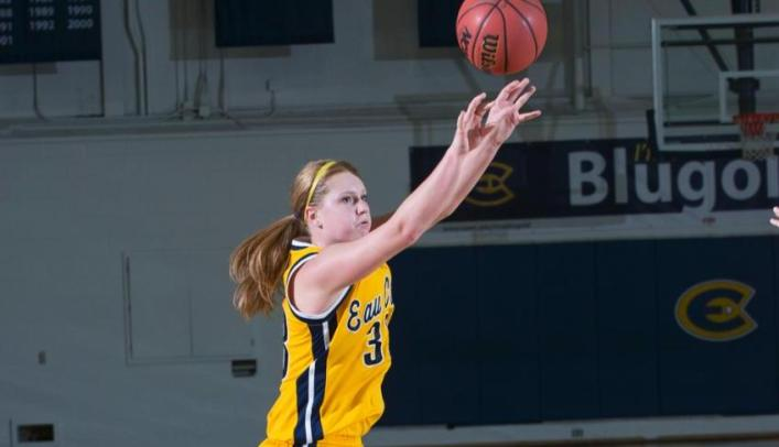 Women's Basketball Gets Back on Track With Win Over Luther