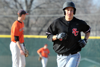 Comeback efforts not enough against Wartburg