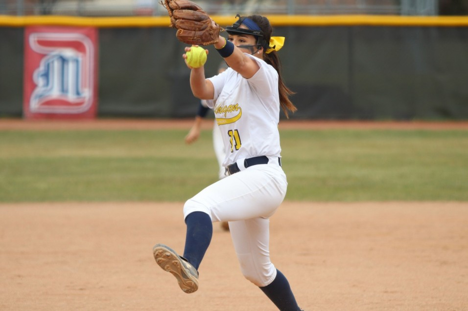 Verduzco dominant in historic sweep of Indiana Tech