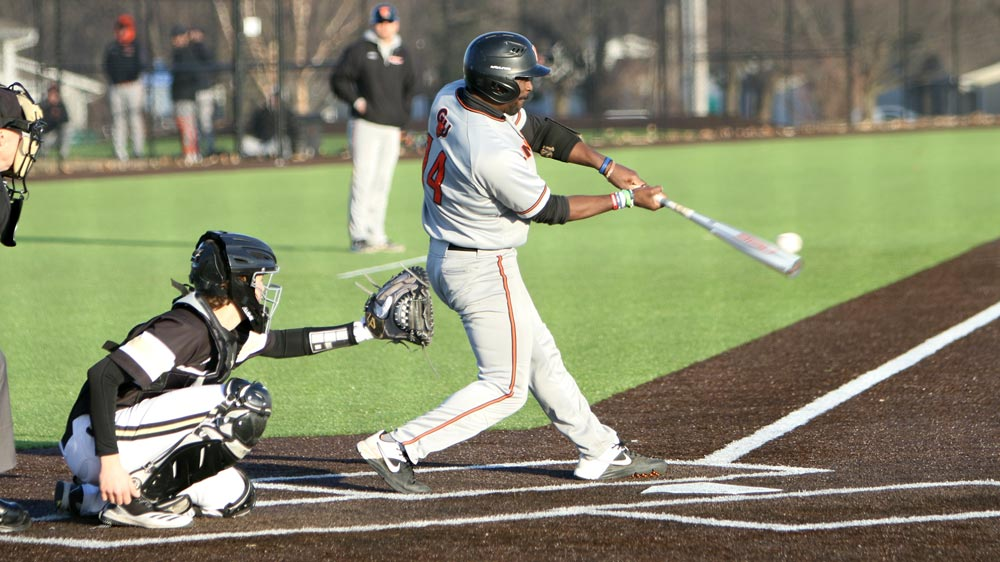 Baseball posts loss and tie on Saturday