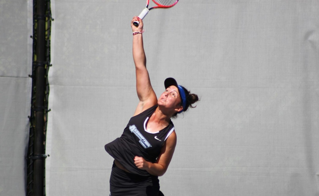 Women's Tennis Commands Courts in 6-1 Victory Over Purple Knights