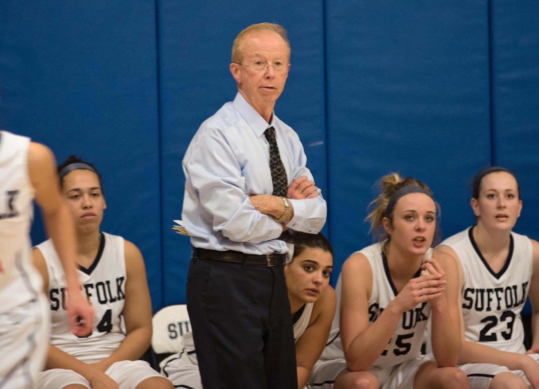 Women's Basketball Welcomes Lasell Saturday