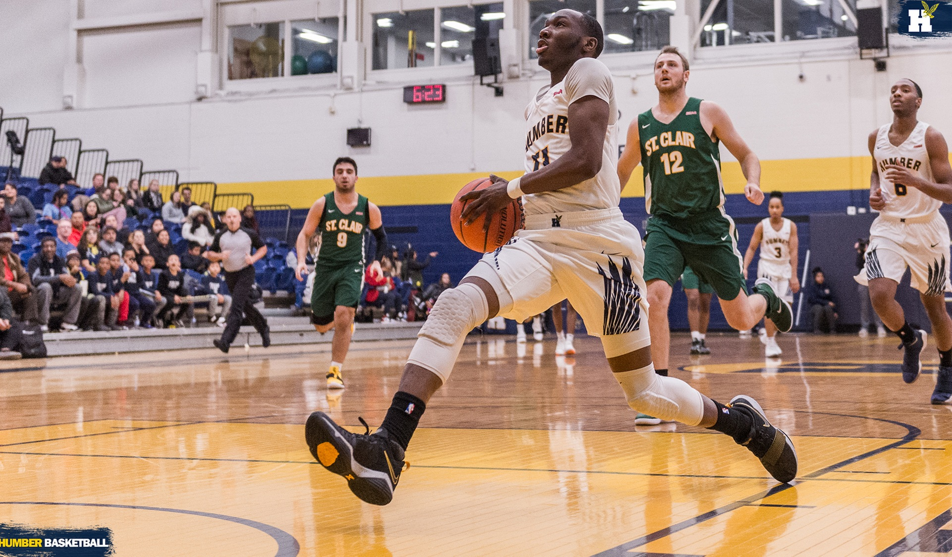 SECOND HALF BEGINS FOR No. 3 MEN'S BASKETBALL AT ST. CLAIR, LAMBTON