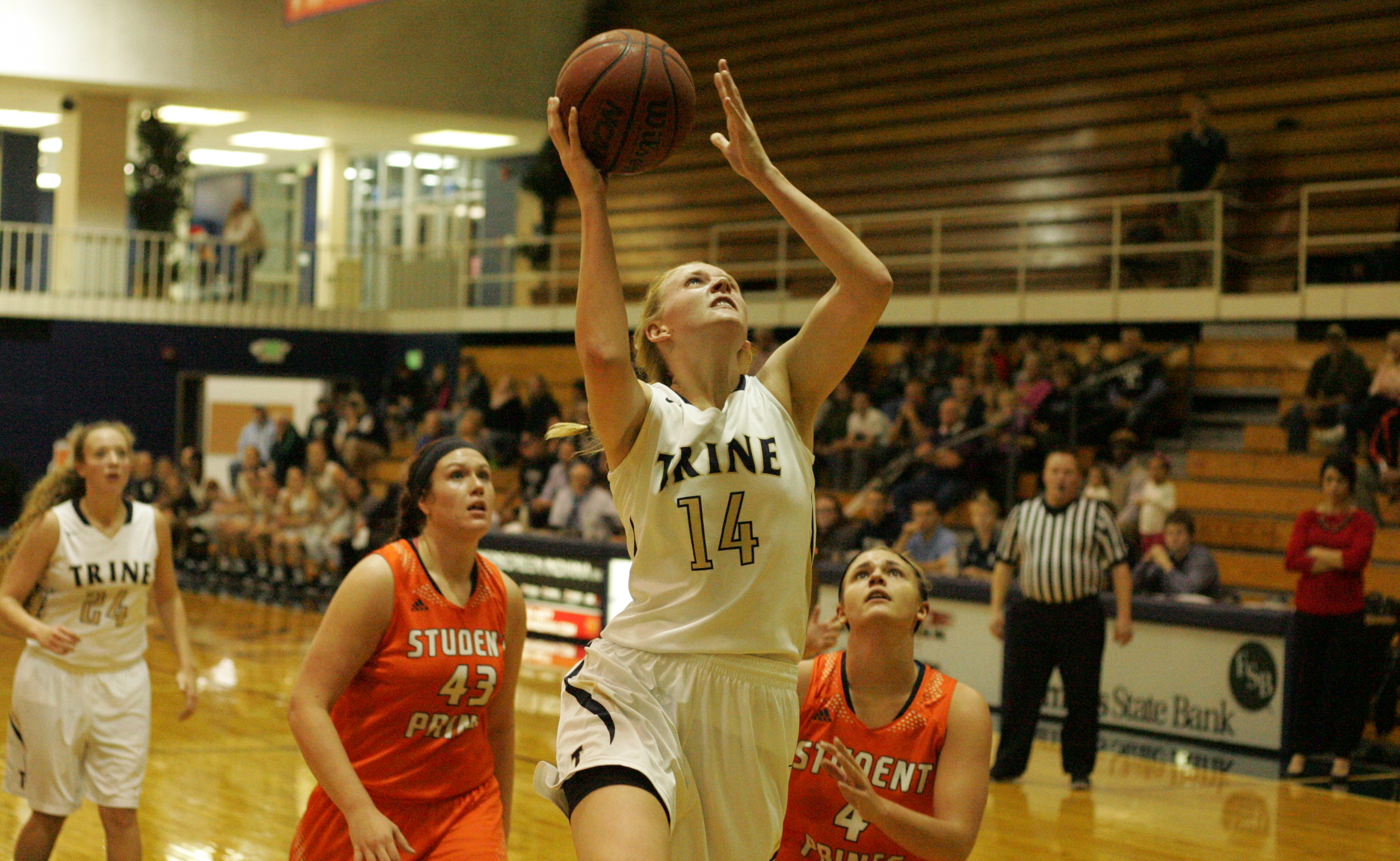Strong Second Half Sends Women's Basketball Past Albion