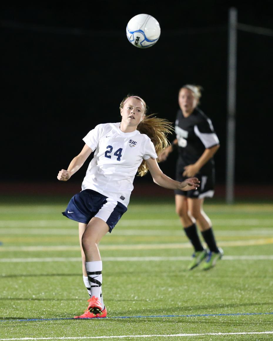 Cool Soccer Action Shots Images & Pictures - Becuo Zoe Saldana