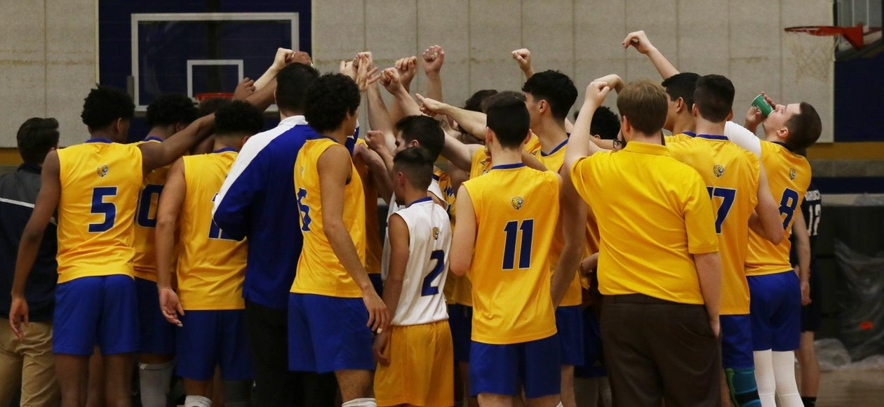 Men's Volleyball Falls to Lasell and Wentworth