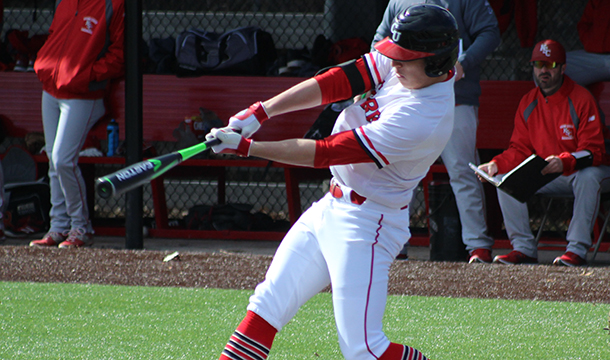 Kyle Bonicki extended his hitting streak to 11 games, hitting .375 over the weekend as the Cougars went 2-0.
