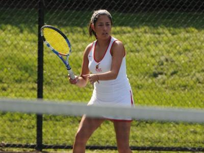 Freshman Sofia Leon played very competitive No. 5 singles and No. 3 doubles matches for the Firebirds in a loss to Georgetown.