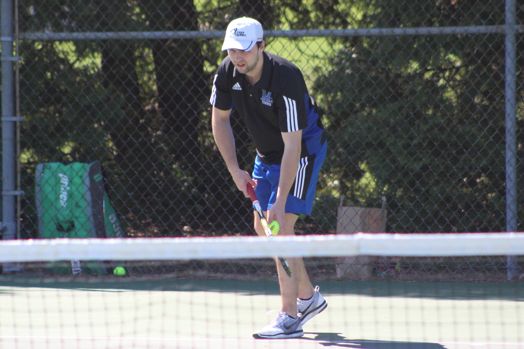 Lawson MacDonald gets ready to serve.