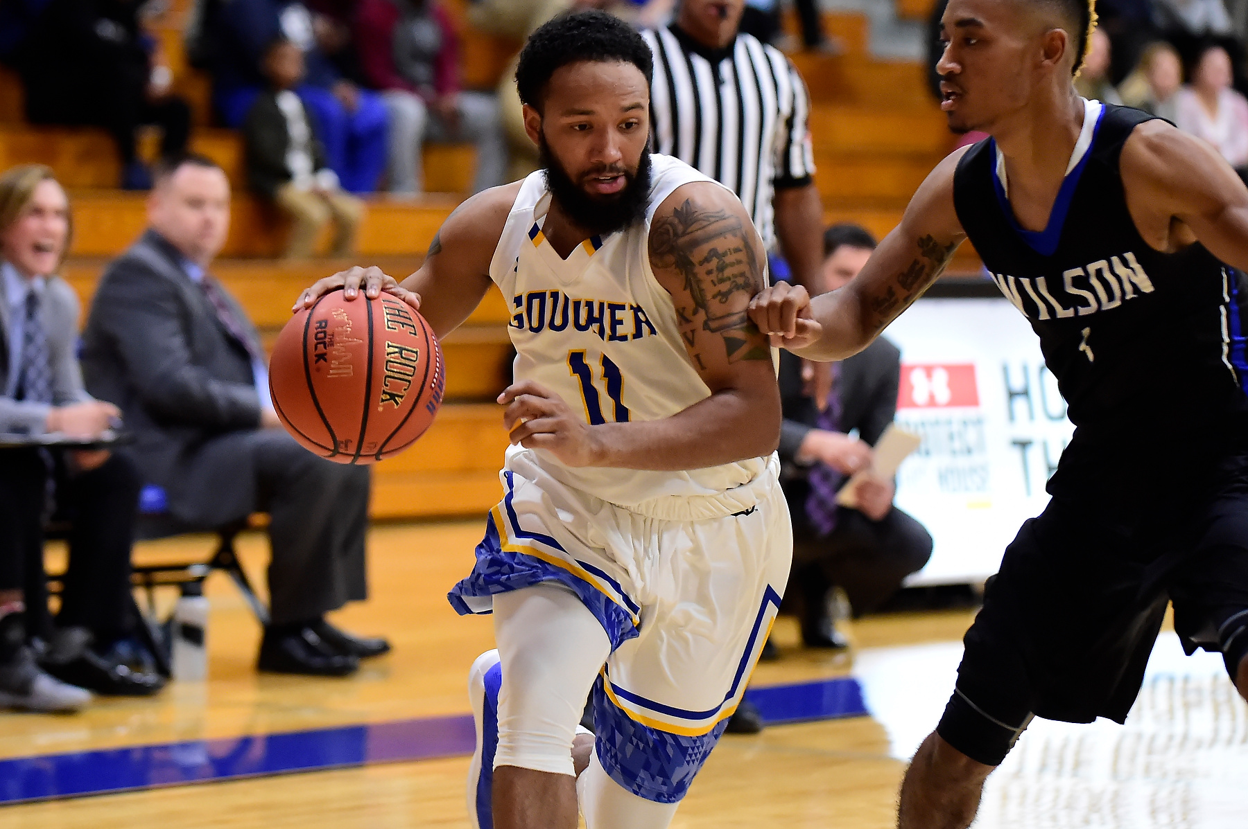 Men's Basketball Falls at Home to Salisbury