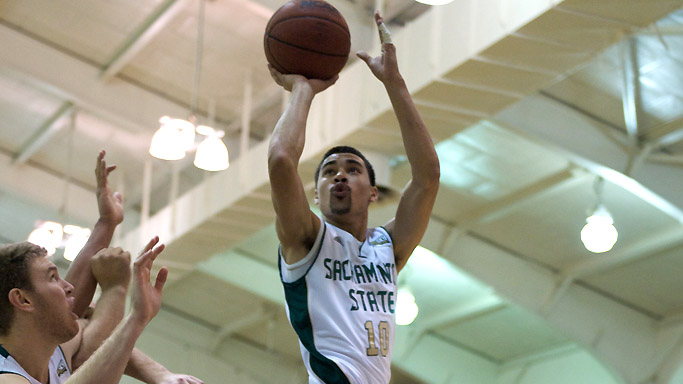 McKINNEY'S LATE FLOATER DELIVERS A 63-61 ROAD WIN AT NORTH DAKOTA