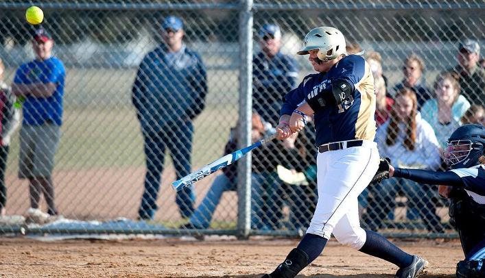 Softball Takes Down Two Ranked Teams at IWU Tournament