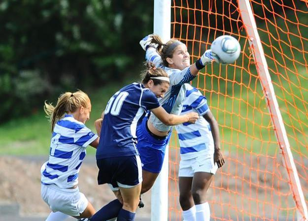 Women's Soccer Ties Harvard 0-0 in 2OT