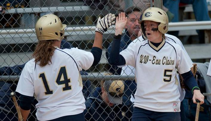 Softball on Spring Break - Blugolds Wrap up Spring Break Trip with Two More Wins