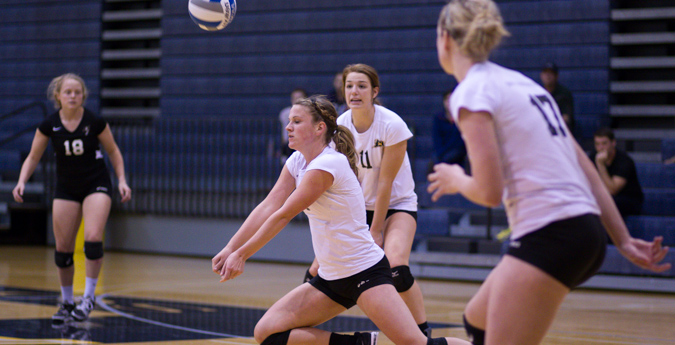 Lentz and Foster earn AVCA Region honors