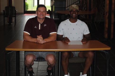 Roddarius Pitts Signs With Cumberland University