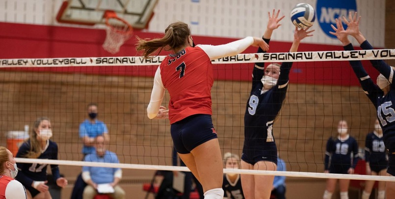 Wildcats edge Cardinals in four sets in Marquette