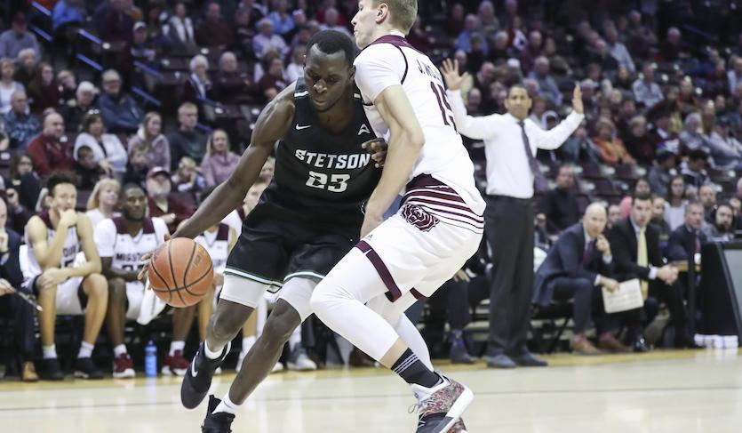 Iyiola's Double-Double Leads Hatters Past Western Illinois