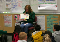 HORNETS PARTICIPATE IN READ ACROSS AMERICA
