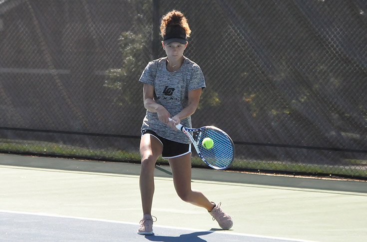 Women's Tennis: Panthers split two matches to finish fall schedule