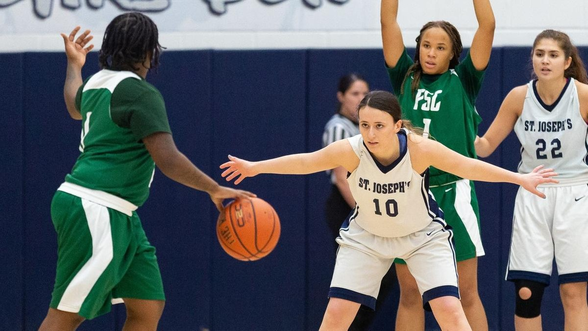 Women's Basketball Rallies From 18 Down to Stun Brooklyn in Overtime