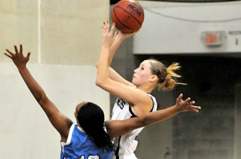 Women's hoops pushes #13 Babson to OT before falling, 62-59