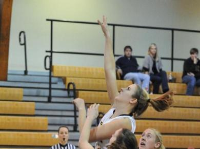 Women Get Defensive, Topple Millsaps