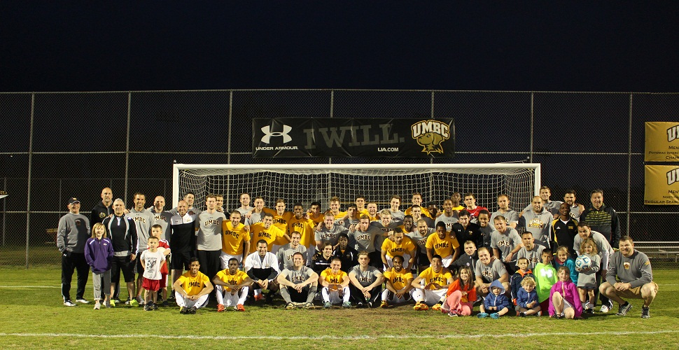 Men's Soccer Wraps Up Spring Campaign, Celebrates a Year of Honors