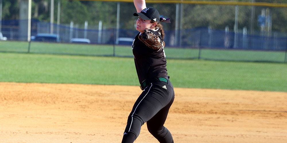 Softball Sweeps Final Day of Spring Break