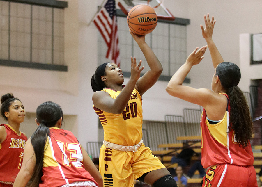 Women's Hoops Routs COD In Home Opener, 108-41