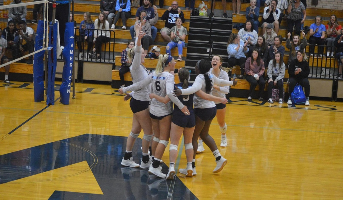 Westminster Volleyball Wins Thriller Over Greenville