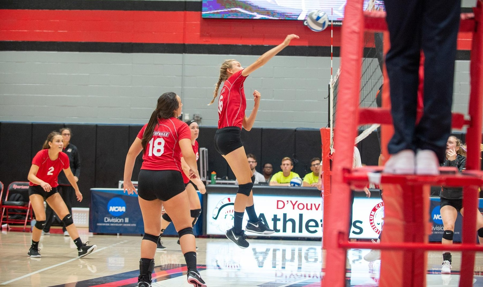 Volleyball Notches Second Conference Win in Saturday Split