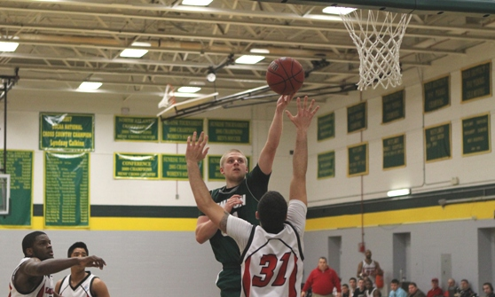 Thomas rallies past Lyndon