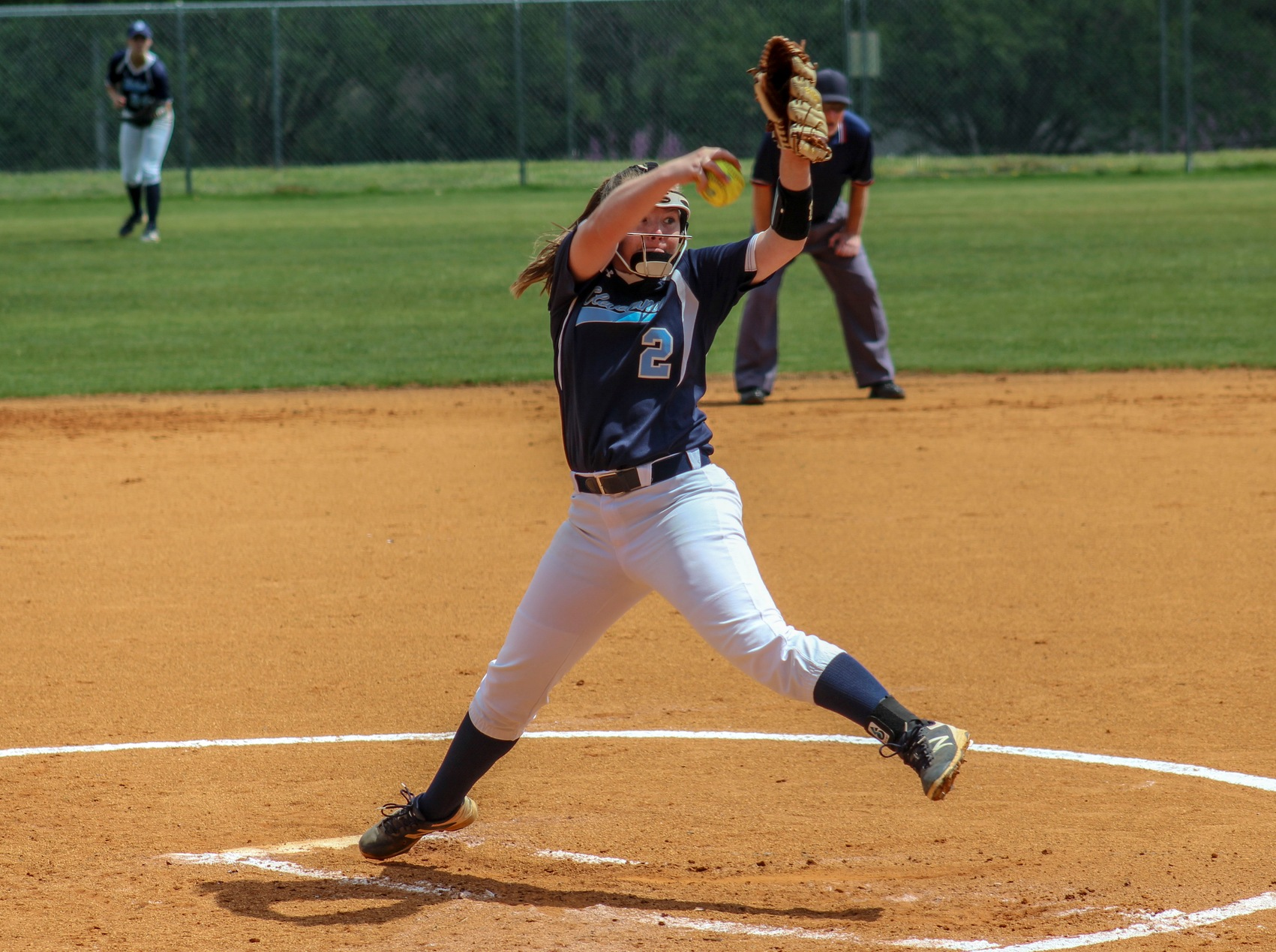 Softball Split Close Games With Walters