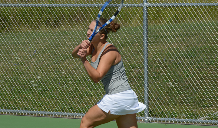Women's Tennis Picks Up First Victory Of The Spring Season At Home