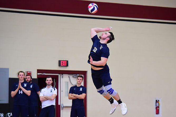 Men's Volleyball Defeats Penn State Altoona; Falls to Wittenberg