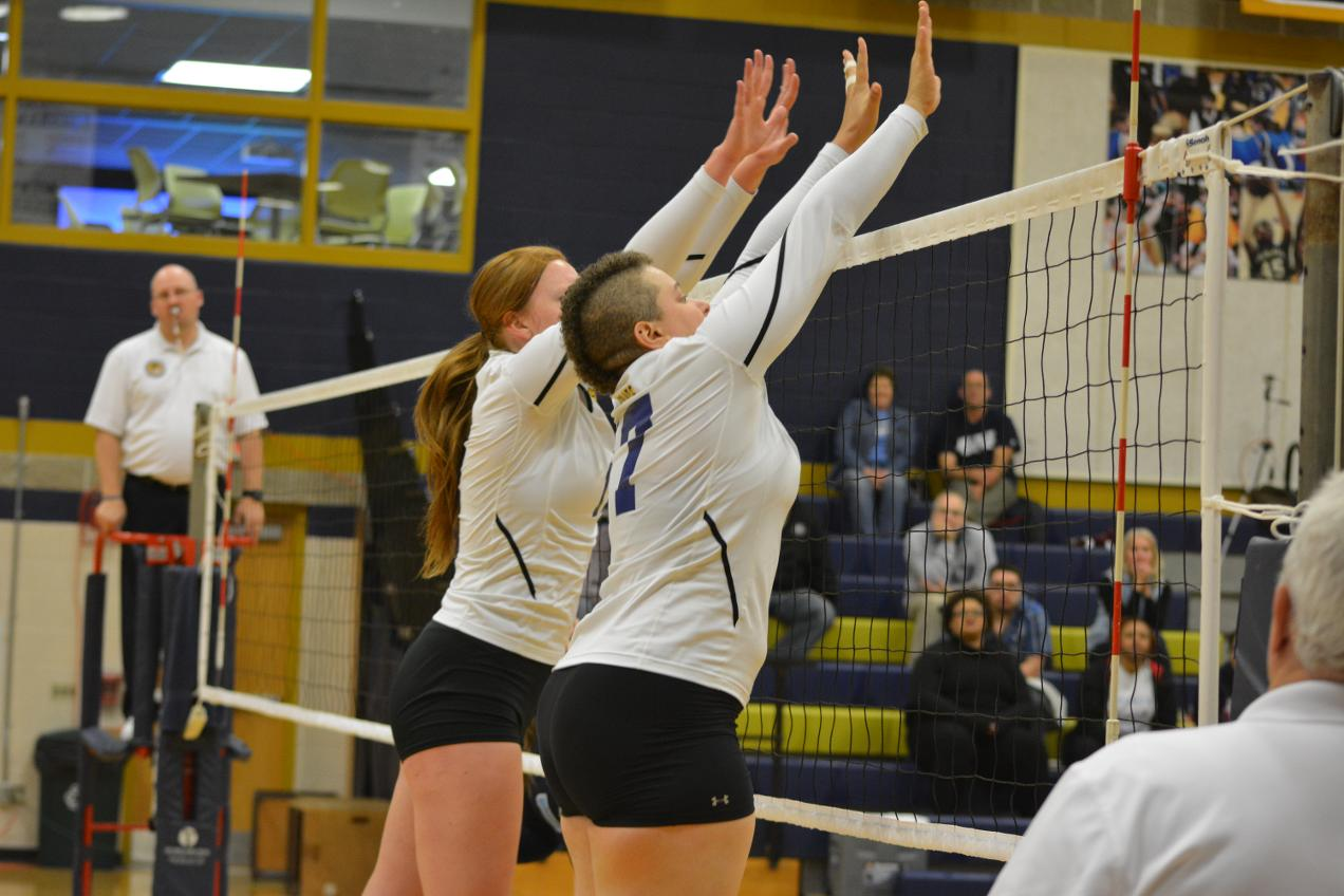 Women's Volleyball Wins Twice At Brandeis Invite