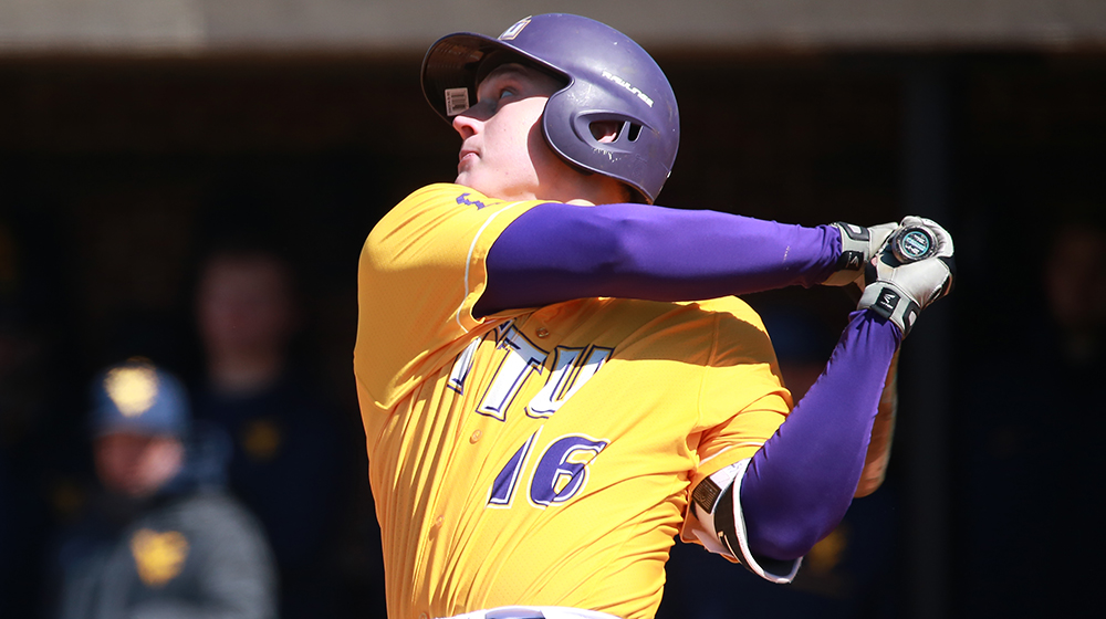 Golden Eagles complete OVC series sweep with 8-4 win at SIUE