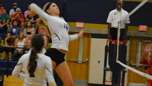 Volleyball Sweeps Rams To Start GNAC