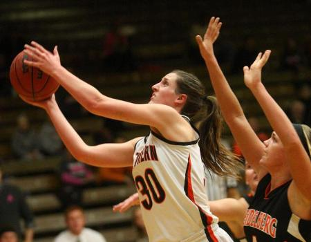 Senior Jordan Kimes leads Women's Basketball to 60-31 win over Heidelberg