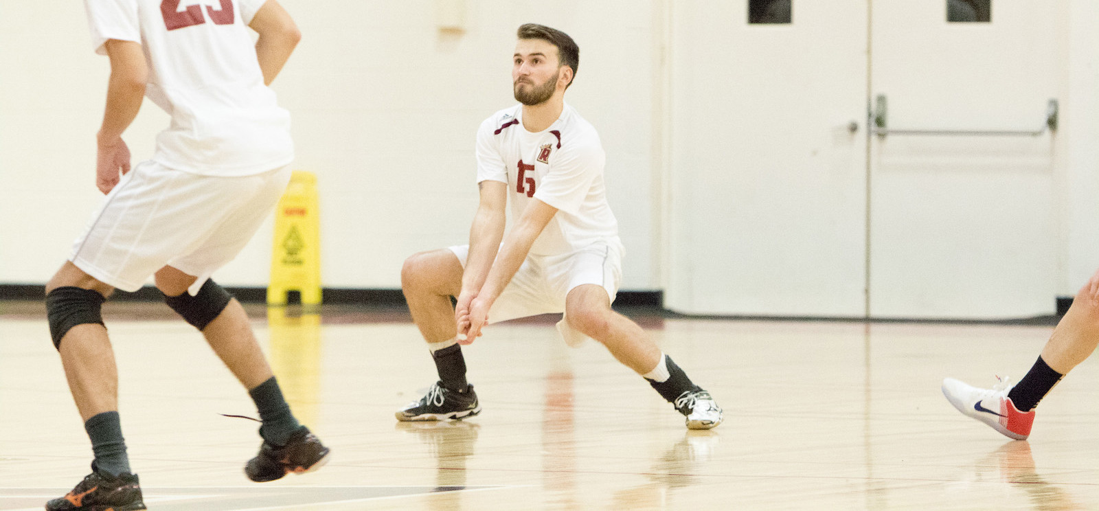 Men's Volleyball Splits Tri-Match with Pine Manor, Eastern Nazarene
