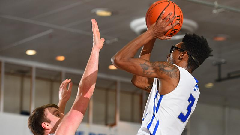 Men's Basketball Drops 77-62 Contest at Sacred Heart
